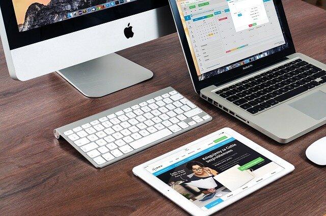 Komputer stacjonarny czy laptop? Wady i zalety