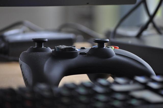 Czy w GTA V można grać online ze znajomymi?